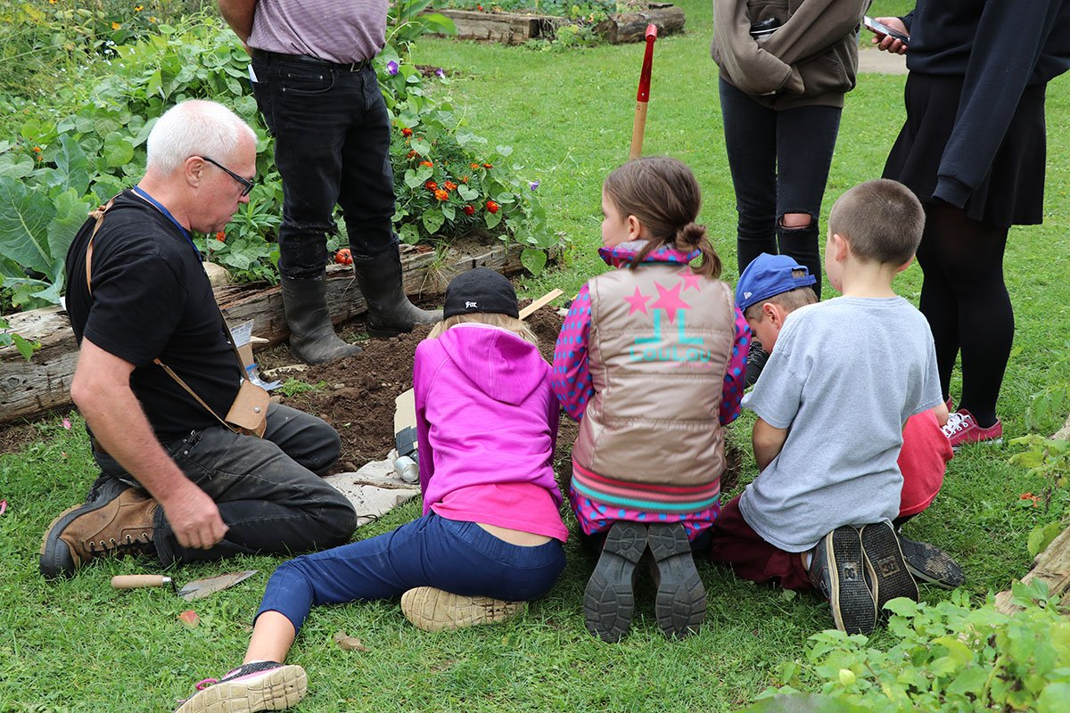 On Sept. 26, 2018, members of the Erin Soil Health Coalition were at Erin Public School, teaching students about soil health and soil fertility.