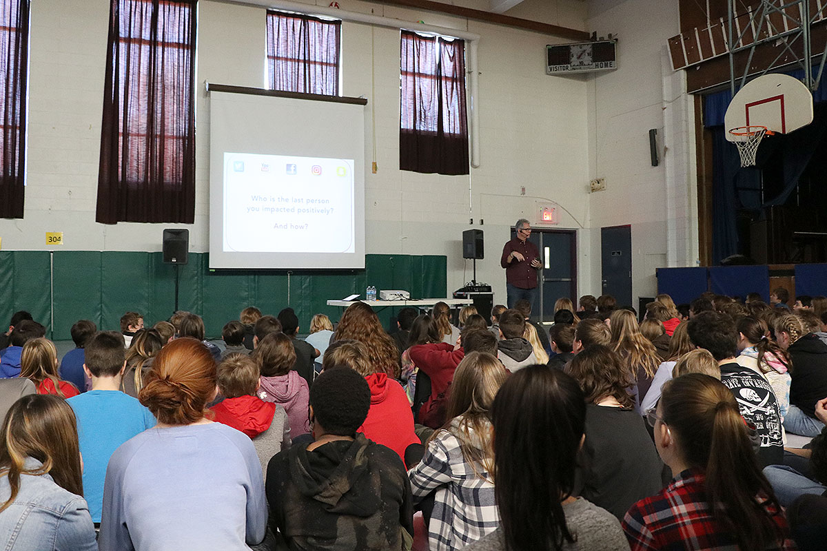 On Dec. 4, 2018, speaker Chris Vollum presented to Erin Public School on social media fitness.