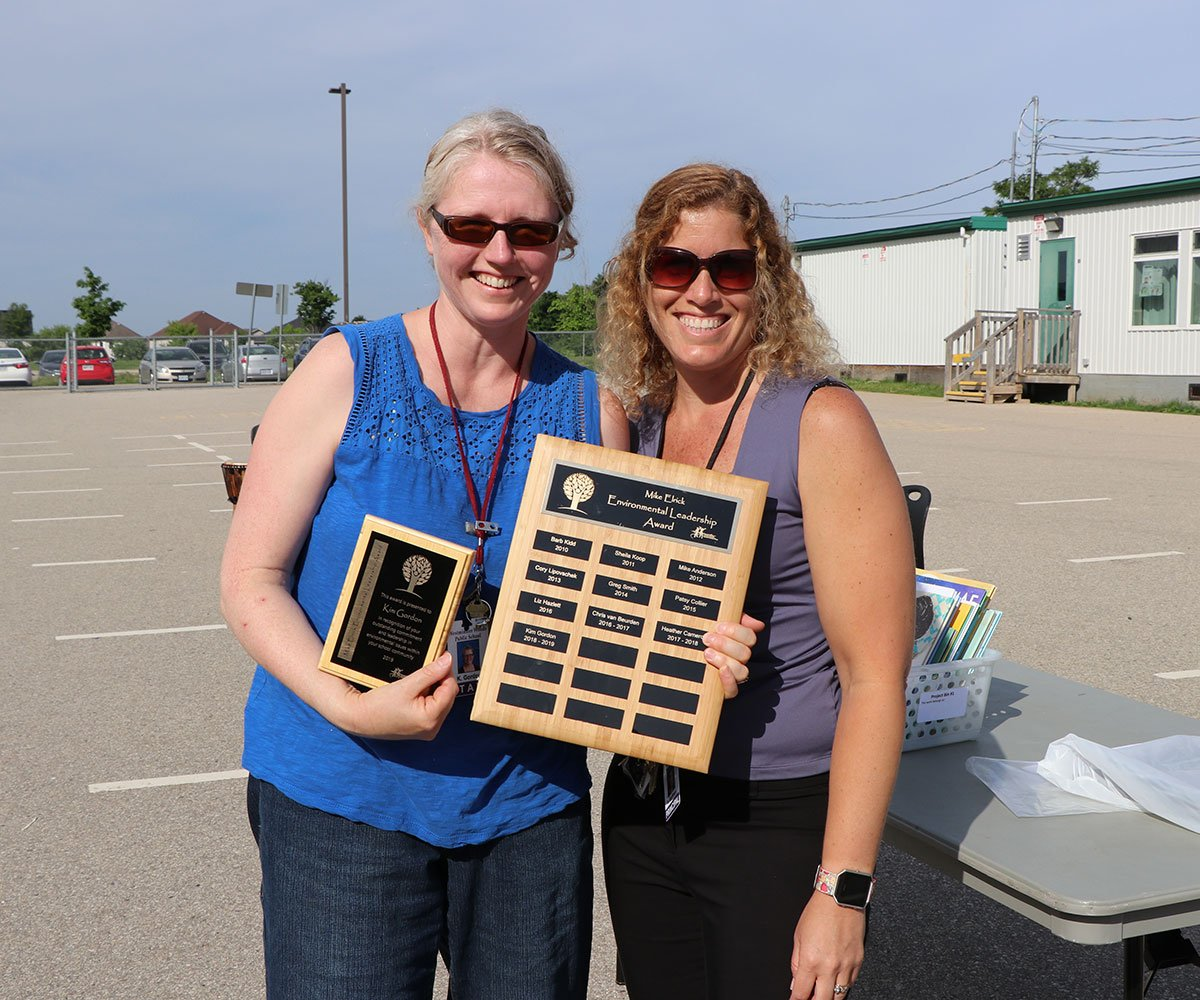 The 2019 winner of the Mike Elrick Environmental Leadership Award is Kim Gordon, a teacher at Westminster Woods PS. Kim received the award on June 27, 2019.